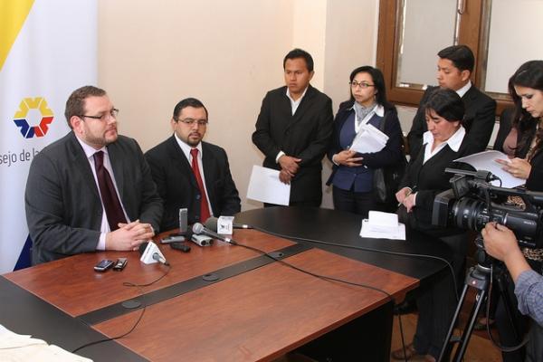 Dr. Fernando Yávar: no más demoras en la adopción