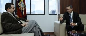 (De izq a der.) Dr. Ramiro Rivadeneira - Defensor del Pueblo y Dr. Gustavo Jalkh - Presidente del Consejo de la Judicatura permanente.